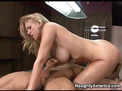 Cavalier heeled Julia Ann fucked in will not hear of covetous pussy